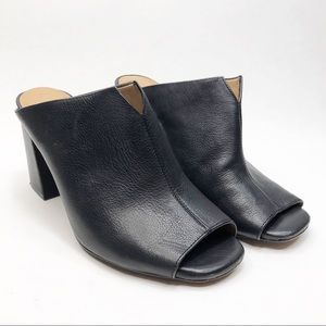 Arturo Chiang Leather Black Jerri Mules